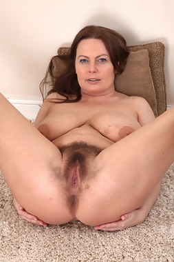 WeAreHairy Free Alexis May Thumbnail #1