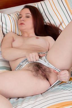 WeAreHairy Free Annabelle Lee Thumbnail #1