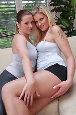 Hairy beauties Melania and Bula love licking