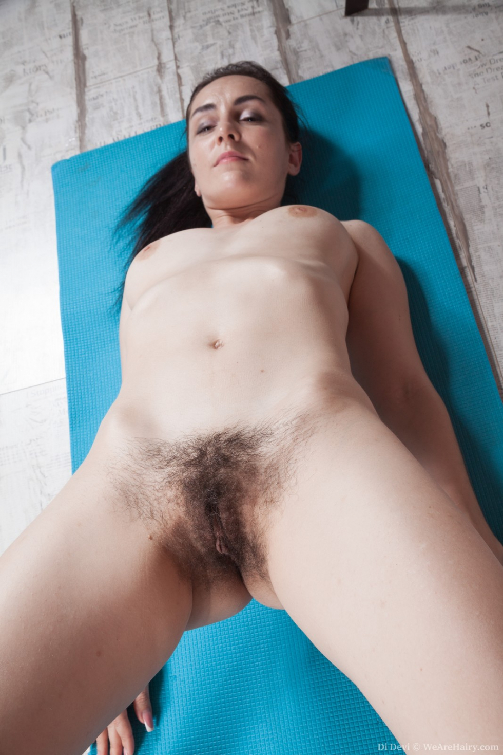 Wara strips naked to show her hairy body off today - 2 part 3