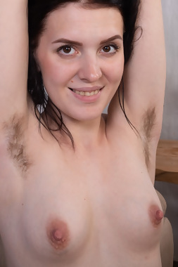 WeAreHairy Free Elley Ray Thumbnail #1