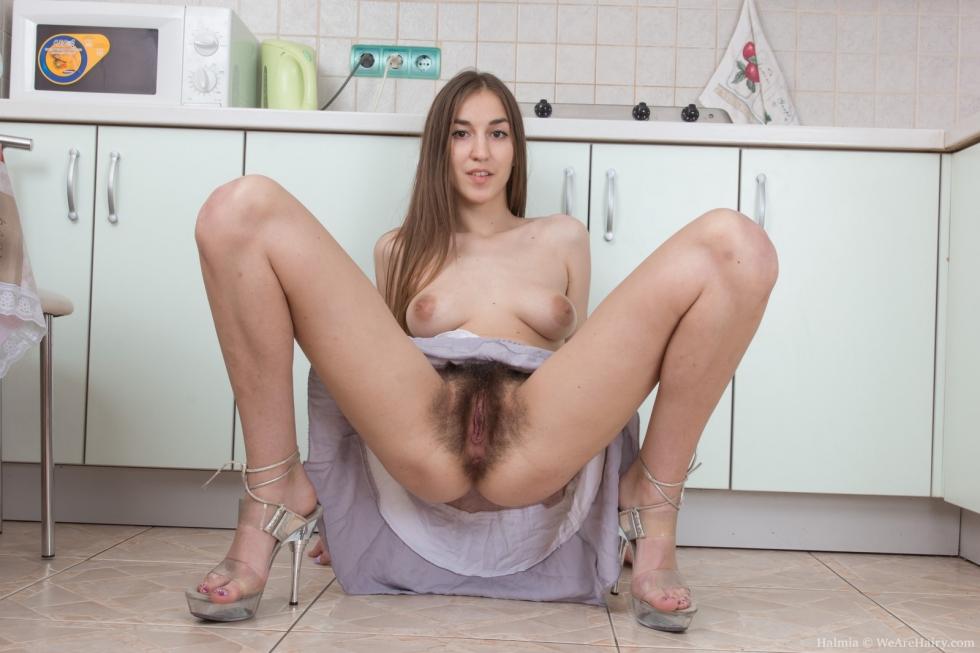 hot nude women drying off