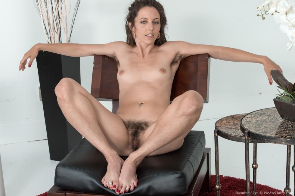 Amateur big round tits
