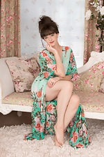 Kate Anne undresses elegantly in her boudoir