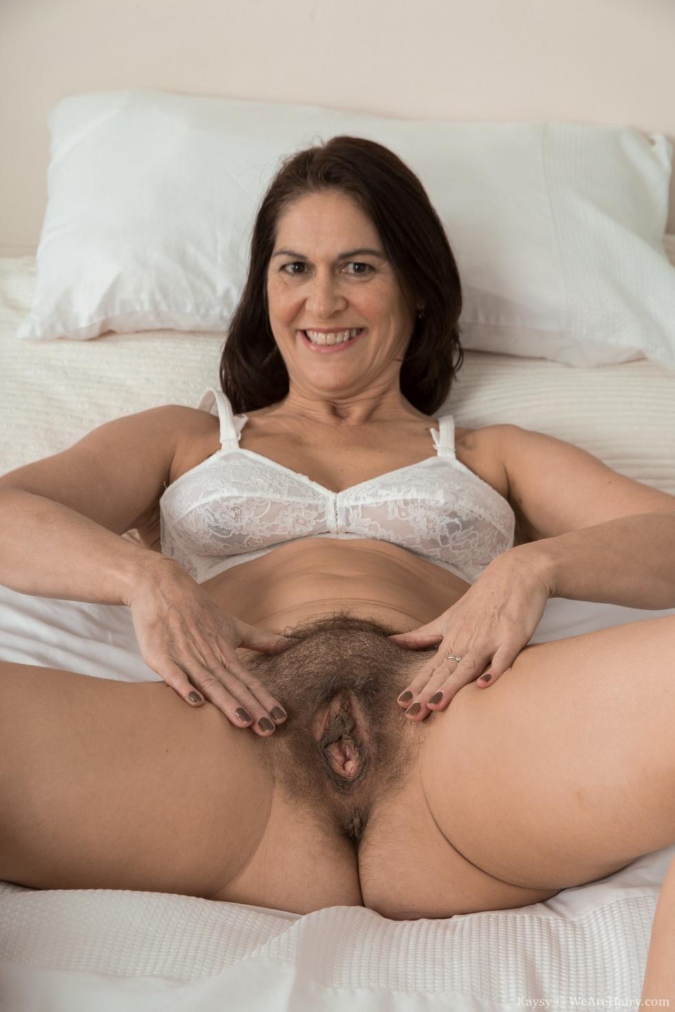 nude pics sucking pussy