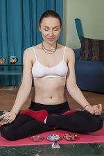 Nata strips naked during her meditation time