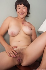 WeAreHairy Free Sarah Rose
