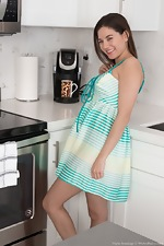 Shyla Jennings strips and masturbates today