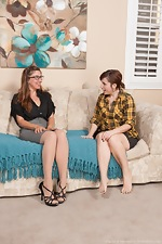 Strap on toy and lesbian fun with Simone and Valentine