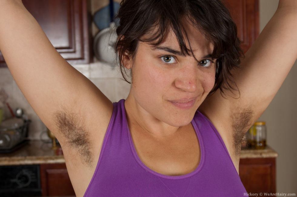 Волосатые девушки на солнце фото, девушек ебут в купальниках